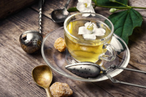 herbal-tea-with-jasmine-flowers_75924-1582